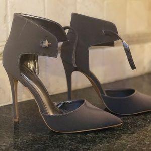 Shoe Republic LA Pumps